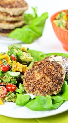 Pork Patties with Mango and Cucumber Salad so good!!!! |thehealthyfoodie.com
