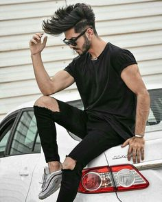 Image may contain: 1 person, sitting Portrait Photography Men, Photography Poses For Men, Photo Poses For Boy, Boy Poses, Stylish Boys, Stylish Girls Photos, Beard Styles For Men, Hair And Beard Styles, Best Poses For Men