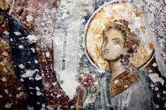 Galata'daki Arap Camii'nin duvarlarında, 14. yüzyıla ait çok özel fresk ve mozaikler ortaya çıkarıldı. Yakın geçmişte bulunan resimler şimdiye dek 15. yüzyıldan itibaren başlatılan Rönesans hareketinin yaklaşık bir yüzyıl önceki ilk izleri olarak tarihe geçti.