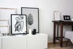 Neu trifft auf alt - Wohnzimmer Lowboard trifft auf Gründerzeit Homeoffice - Wohnzimmer Umstyling in schwarz-weiß