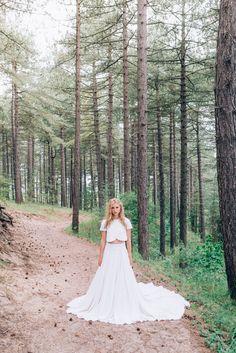 Elizabeth Stuart Moonflower Gown featured in Naturae Design Summer 2015 Lookbook. Image by Svenja Petersen Photography #elizabethstuart