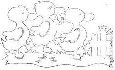 Гребешок аленький, кафтанчик рябенький, двойная бородка, важная походка. Раньше всех встает, голосисто поет. (Петух) Желтые комочки, легкие, как вата! Бегают за квочкой. Это кто? (Цыплята)… фото 5