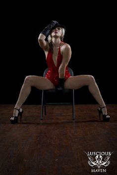 Alikat Rose teaches burlesque classes at Luscious Maven Pole Dance Studio - North Hollywood