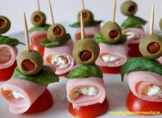Party cones with canned ham - Recipe - Sma . Ice Pop Recipes, Ham Recipes, Appetizer Recipes, Appetizers, Cooking Recipes, Party Food Platters, Party Dishes, Canned Ham, Salad Dishes
