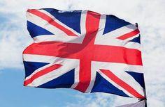 英國將在6月23日對是否退出歐盟進行公投。五五波的民調結果,任誰也不敢草率預測英國與歐盟究竟是分是合。英國首相卡麥隆的公投豪賭,把全世界都捲了進去。在屏息等待公投結果的同時,各國唯一能做的,就是對公投萬一通過所造成的衝擊,做好萬全的準備。 幾十年來,英國一直徘徊在脫歐與入歐的兩難之間。當初在加入歐洲共同市場時本就不太情願,如今脫歐聲浪再起,又喚起大不列顛傳統的驕傲。可是今天的國際情勢與當年早就有天…