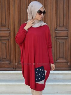 Shop Sports Tunic - Red in Tunics category. Modanisa your online muslim modest fashion store. Modest Fashion, Hijab Fashion, Red Henna, Mode Simple, Hijab Style, Mode Hijab, Muslim, Your Style, Casual Outfits