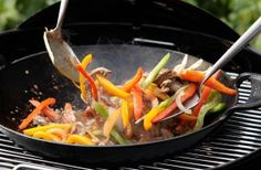 Five-Minute Pepper Steak Stir-Fry - Grilled Beef Recipes on the Barbecue | Weber.com