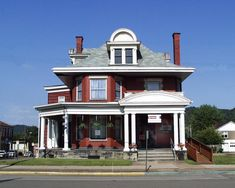 Moundsville, West Virginia: Fostoria Glass Museum photo, picture, image