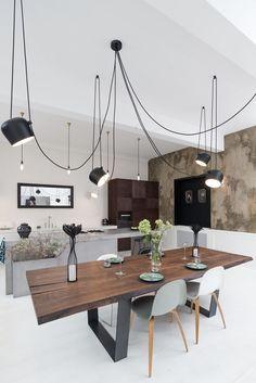 foorni.pl | Apartament eklektyczny, otwarta kuchnia z wyspa i jadalnią | projekt: OOOOX fot.: Martin Zeman | DATELIER