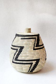 Hand Woven Large Lidded Basket - Tea and Black