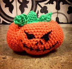 Howling at the moon: Haunted Doll House: Spooky Pumpkin