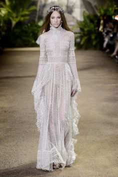 Elie Saab's Couture Collection Is Full of Dreamy Dresses and Sparkling Pants —…