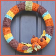 32 Ideas crochet amigurumi halloween repeat crafter me Crochet Christmas Wreath, Crochet Wreath, Crochet Diy, Crochet Amigurumi, Crochet Fall, Holiday Crochet, Crochet Home, Crochet Crafts, Crochet Flowers