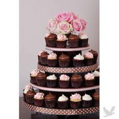 cupcake tower..holds 100 cupcakes