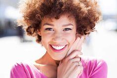Descubra quando usar o silicone para cabelo e como ele age nos crespos e cacheados. | All Things Hair - Dos especialistas em cabelos da Unilever