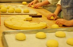 Boule shaping at Bouchon Bakery, Yountville / © Jenn Yee