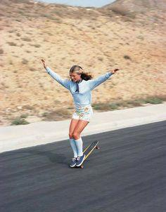 Skateboard girl, Los Angeles, 1976.