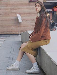 Cô bạn Trung Quốc dáng đẹp, mặt xinh đến mức con gái cũng ưng muốn xỉu! - Ảnh 10. Korean Beauty Girls, Korean Girl, Typical Girl, China Girl, How To Pose, Aesthetic Girl, Asian Style, Ulzzang Girl, Girl Photography