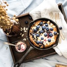 Jedli ste u niekedy palacinky peen v rre? Tiramisu, Geek Stuff, Photo And Video, Breakfast, Recipes, Food, Cookies, Videos, Fitness