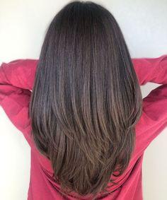 Curly To Straight Hair, Balayage Straight Hair, Haircuts Straight Hair, Straight Hair With Layers, Thin Hair, Hair Layers, V Cut Hair, Best Hair Cut, Long Hair V Cut
