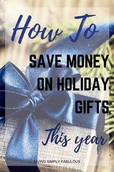 Don't go in debt this year playing Santa Claus. Here are 7 easy ways to save money on holiday gifts this year. Ways To Save Money, Money Tips, Money Saving Tips, Savings Planner, Budget Planner, Frugal Living Tips, Frugal Tips, Frugal Christmas, Best Savings