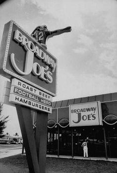 NY Jets star Joe Namath's Broadway Joe's ~ Miami ca. I ate at Joe's Restaurant in Tuscaloosa. The waitress gave us a blank order pad sheet with Joe's pic in it. Eat At Joe's, Miami Nightlife, Diner Sign, Joe Namath, Florida City, Out To Lunch, Soda Fountain, Roadside Attractions, Old Signs