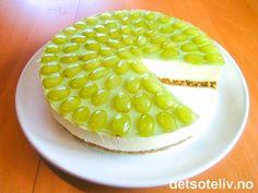 Ostekake med grønne druer Honeydew, Cheesecakes, Dairy, Sweets, Baking, Fruit, Food, Goodies, Honeydew Melon