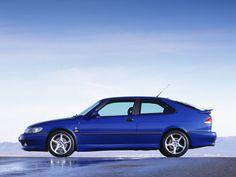 La Saab 9-3 première génération, lancée en 1998, n'était qu'une évolution de la Saab 900 dite «NG» (pour New Generation) qui remplaça en 1994 la mythique 900 appelée aujourd'hui…