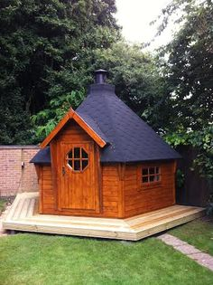 15 Seat BBQ Hut with softwood decking