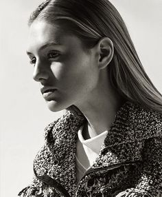 Knitted hoodie #MaisonUllens #fashion #SanneVloet #AtelierFranckDurand #madeinItaly #madeinFrance #readytotravel #KimLaursen #hoodie #beauty #knit