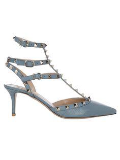 Valentino Garavani Rockstud Pumps In Blue Valentino Garavani, Valentino 2017, Valentino Rockstud Shoes, Valentino Heels, Valentino Gowns, Rockstud Pumps, Valentino Handbags, Blue Pumps, Couture