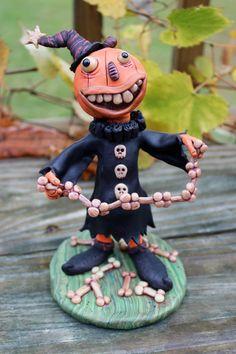 Polymer Clay Halloween, Polymer Clay Fairy, Polymer Clay Sculptures, Polymer Clay Projects, Diy Clay, Clay Crafts, Halloween Images, Halloween Crafts, Creepy Pumpkin