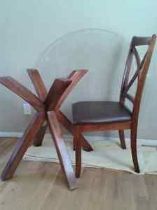 Dining Table With 4 Chairs Cranbrook British Columbia Image 1