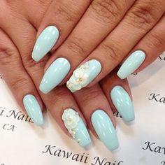 Mint nails coffin shape