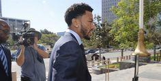 Mujer testifica en demanda por violación contra Derrick Rose