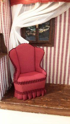 Angolo lettura. Floor Chair, Flooring, Furniture, Home Decor, Decoration Home, Room Decor, Wood Flooring, Home Furnishings, Home Interior Design