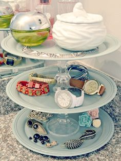simple tricks to organize the chaos // jewelry display cake stand