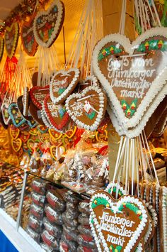 Christmas food specialities - Market stalls - Nurnberg - Germany. Photo: Paul Williams