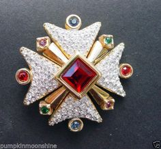 Collectible-Signed-Swarovski-Pave-Crystal-Medieval-Maltese-Cross-Brooch-Pin