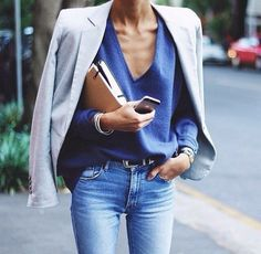 There is no such thing as arriving 'fashionably late'!  We all know what you're wearing when you arrive late doesn't matter! ✨ Please check out this week's blog post titled Five Things You Can Do Today to Achieve Your Goals!  #GetFitStayFitToo #HealthyActiveLifestyle #WellnessConsultant #CareerGirls #WomenWhoHustle