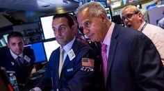 Wall Street e il suo ciclo trentennale al lavoro: le attese per il 7 agosto e per il resto del mese - Siamo sui massimi storici dei mercati americani e quasi ogni giorno vengono aggiornati e frattanto molti si augurano un ribasso. Perchè Wall Street ha questa forza che sembra inarrestabile? In base alle statistiche degli ultimi 130 anni sugli Indici americani come pubblicato nei nostri...