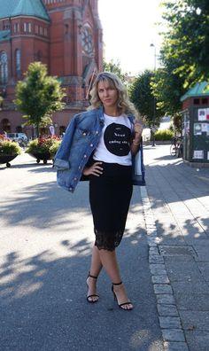 Fashion is for everybody!: Denim Jacket version nr. 2 Denim, My Style, Skirts, Jackets, Fashion, Down Jackets, Moda, Fashion Styles, Skirt
