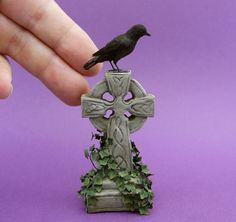 Dollhouse Miniature 1:12 Crow & Tombstone by Kerri Pajutee *IGMA OOAK