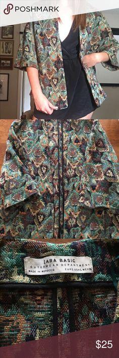 ZARA BASIC SHORT JACKET Zara 3/4 length sleeved jacket. Very loose and comfortable with bold print! Zara Jackets & Coats Blazers