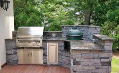 Outdoor Kitchen Trends Worth Savoring | Home Channel TV Backyard Barbeque, Backyard Kitchen, Outdoor Kitchen Design, Outdoor Kitchens, Backyard Patio, Patio Design, Big Green Egg Outdoor Kitchen, Backyard Pavilion, Grill Design