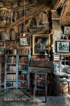 Library loft at Fonthill Castle, Doylestown, (USA) - Diy for Home Decor Library Room, Dream Library, Magical Library, Library Corner, Magical Room, Old Libraries, Bookstores, Beautiful Library, Book Nooks