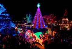 Silver Dollar City In Branson, Missouri | 10 Places That Take Christmas Decorations Really Seriously