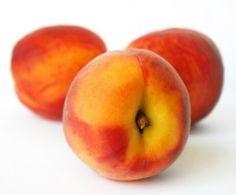 fertility smoothie: 2 peaches, 1 banana, 1T maca, 1/4c yogurt, 1t vanilla, water