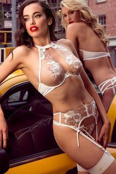 Do you want to make your wedding night special? Check out our list of wedding night lingerie and pick the most seductive variant for you. Hot Lingerie, White Lace Lingerie, Bridal Lingerie, Luxury Lingerie, Beautiful Lingerie, Lingerie Models, Lingerie Underwear, Beautiful Beach, Lace Bra
