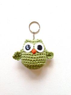Owl Crochet Patterns, Crochet Owls, Easter Crochet, Love Crochet, Amigurumi Patterns, Crochet Animals, Crochet Yarn, Owl Keychain, Crochet Keychain
